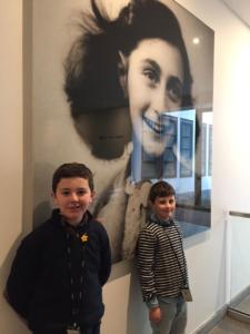 El ganador del concurso de microrrelatos visita la casa de Ana Frank | Red de Juderías de España