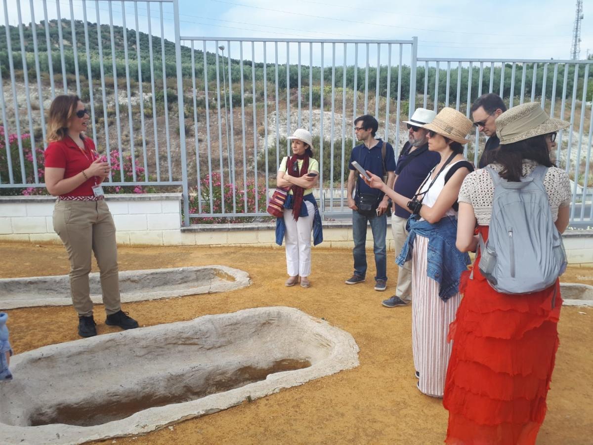 Un nutrido grupo de periodistas de viajes y estilo de vida de importantes medios de comunicación han visitado las ciudades de Córdoba, Jaén y Lucena, como parte del primer viaje de prensa organizado por la Red de Juderías