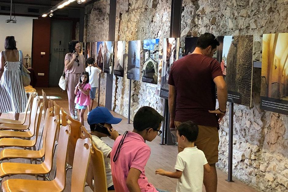 Dentro de la celebración de la 20ª Jornada de la Cultura Judía, Lorca acogió la exposición fotográfica «Descubre Sefarad».
