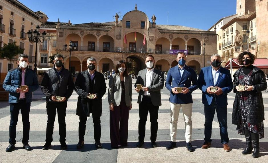 La marca de la Red de Juderías de España-Caminos de Sefarad señaliza siete espacios de la ciudad ligados a la cultura judía.