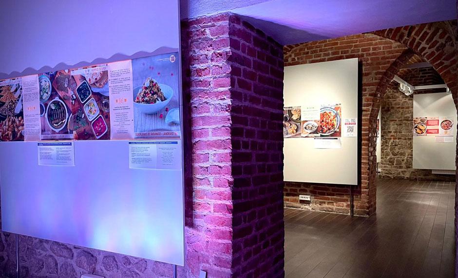La exposición «Sabores y Aromas de Sefarad» se inaugura en el Instituto Cervantes de Cracovia